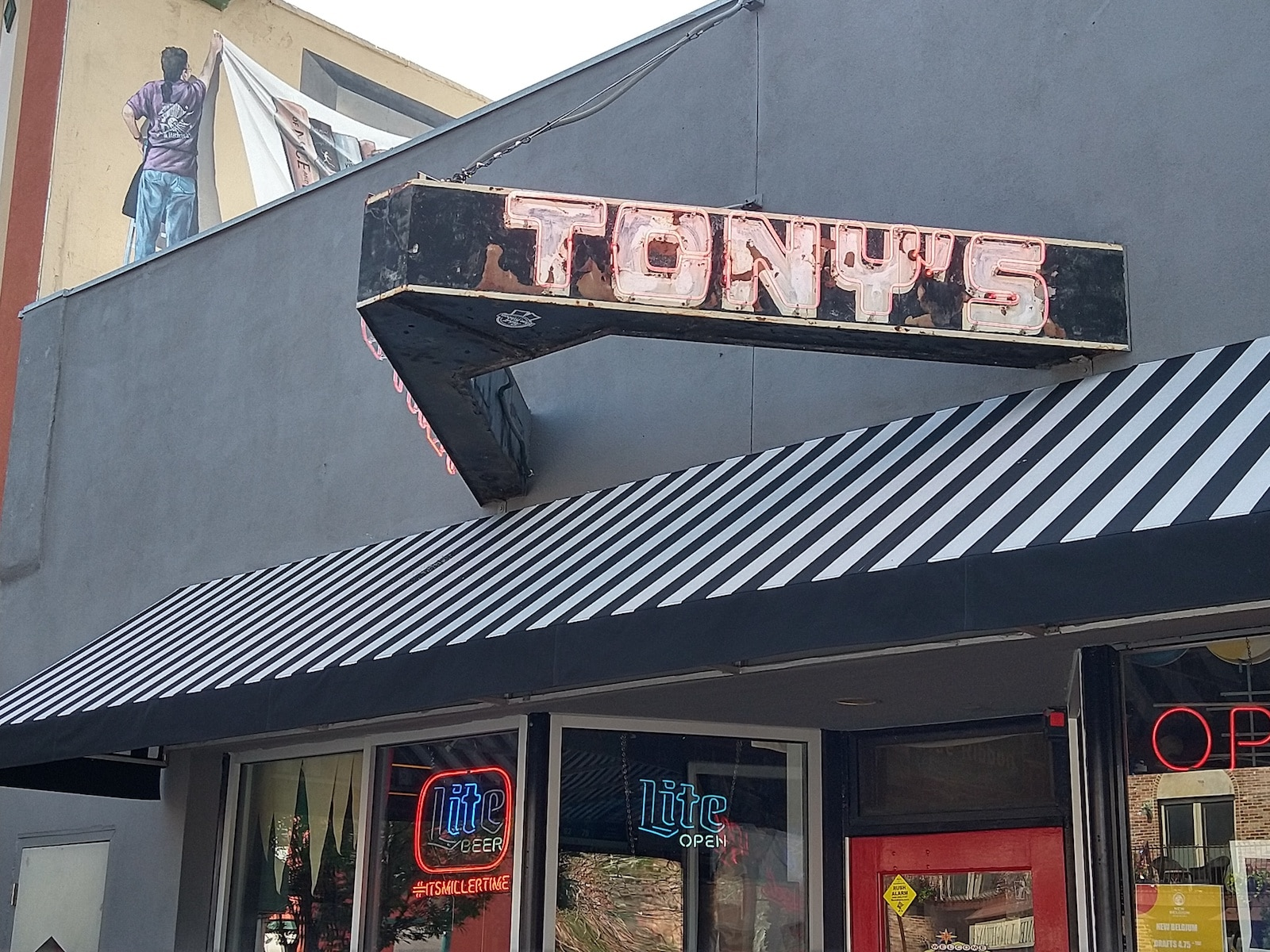 Tony's Bar Colorado Springs Sign