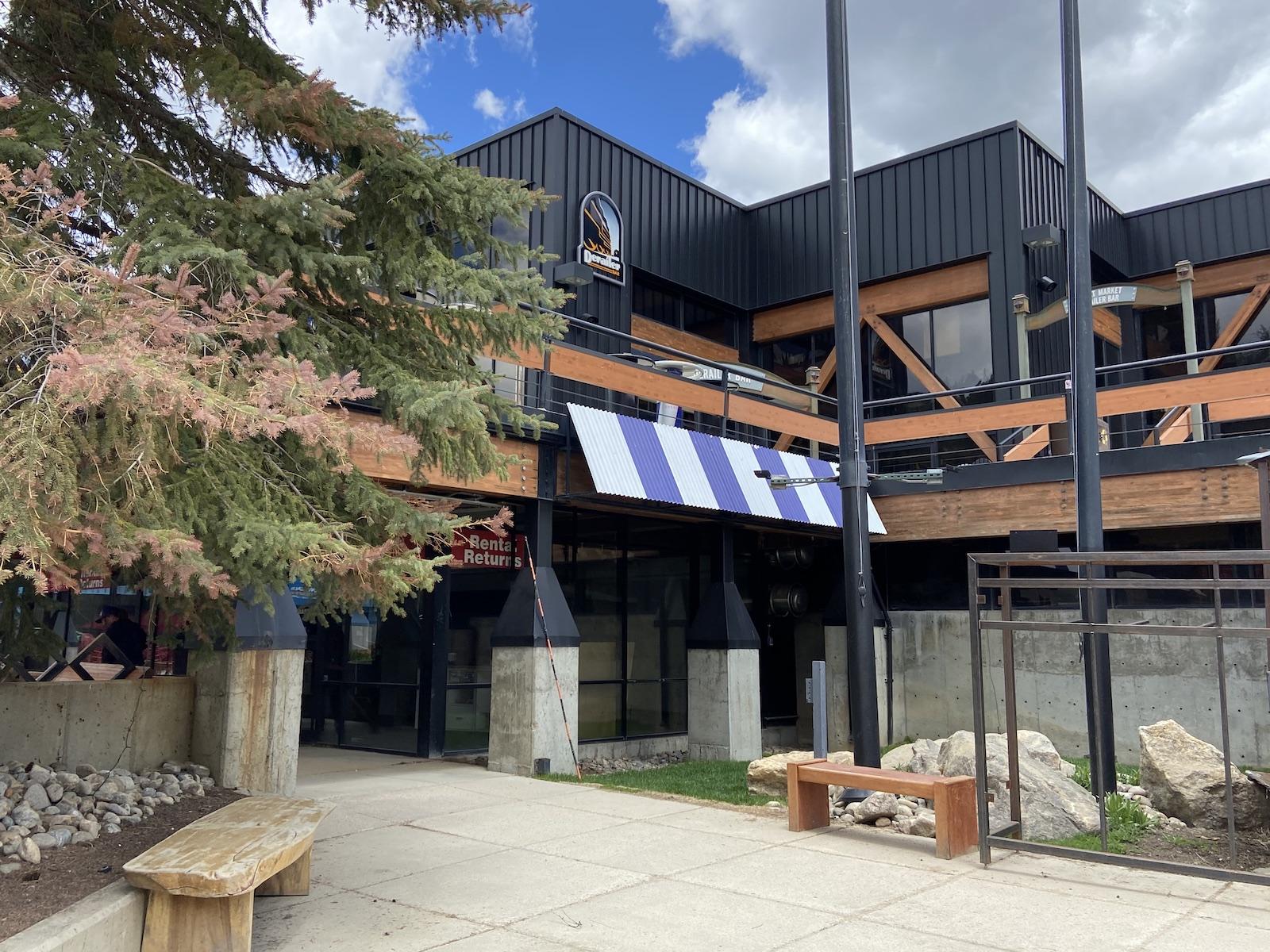 Winter Park Derailer Bar